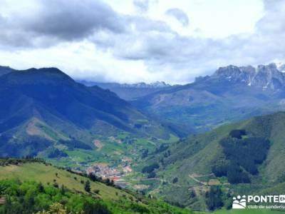 Ruta del Cares - Garganta Divina - Parque Nacional de los Picos de Europa;gente viajera